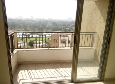 Resale Flat at Casabella Apartment